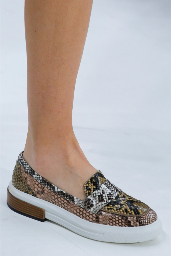 Guess snakeskin sneakers Very stylish and extremely